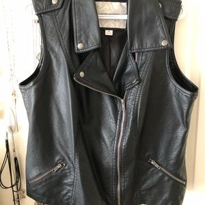 Maurices Brand faux leather vest // Size 1x